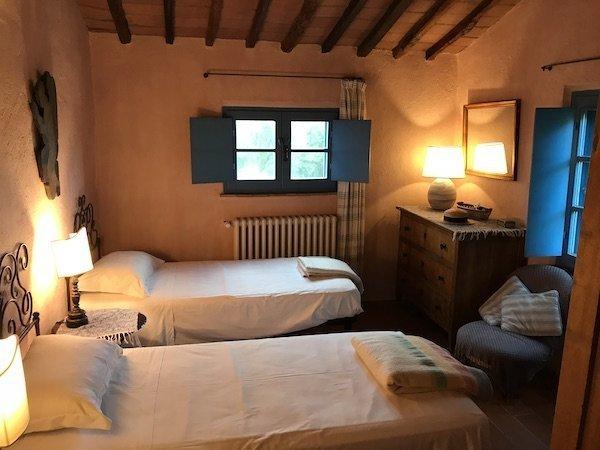 Twin Room at Yoga retreat Tuscany