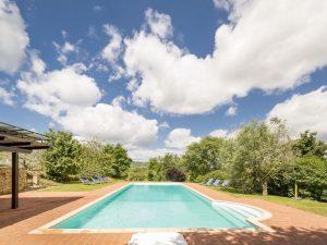 Pool at Yoga Retreat Tuscany